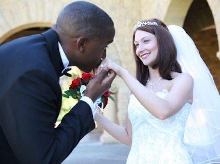 338-0620234342-black-white-marriages-triple-over-last-three-decades-thumb-400xauto-9741